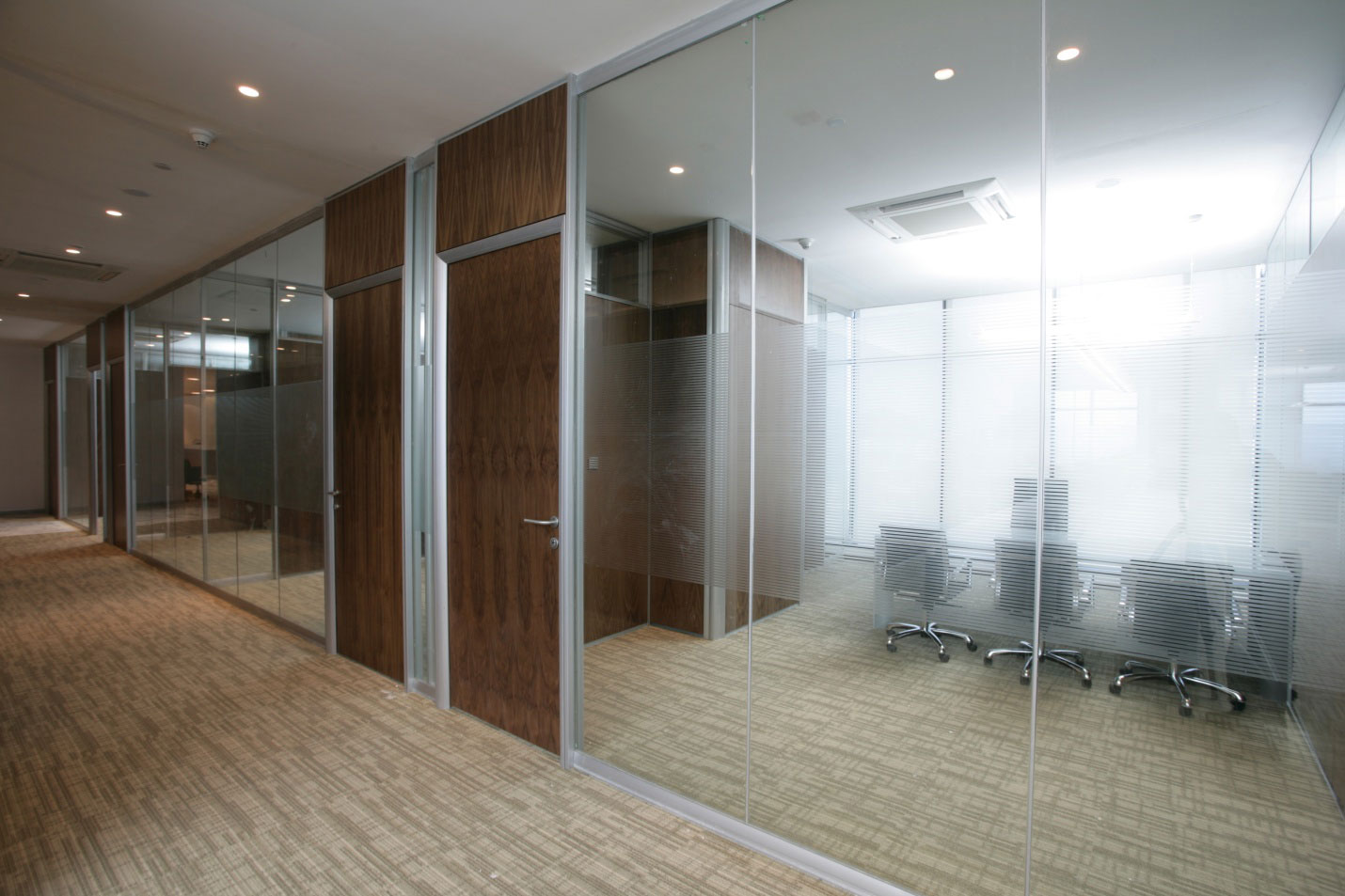 Benefits Of Using Glass Partitions In Offices Interior Designing Services In Mumbai India